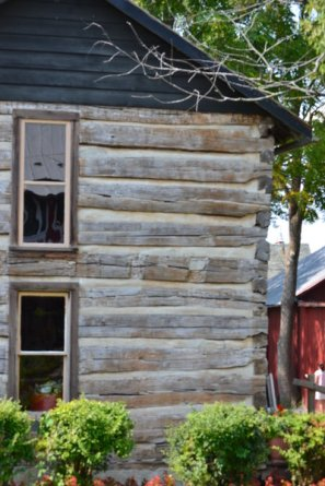 Old house in Napanee, IN