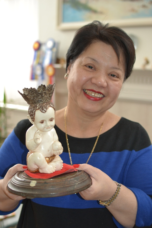 Cocoy with her Infant Jesus handmade in ivory